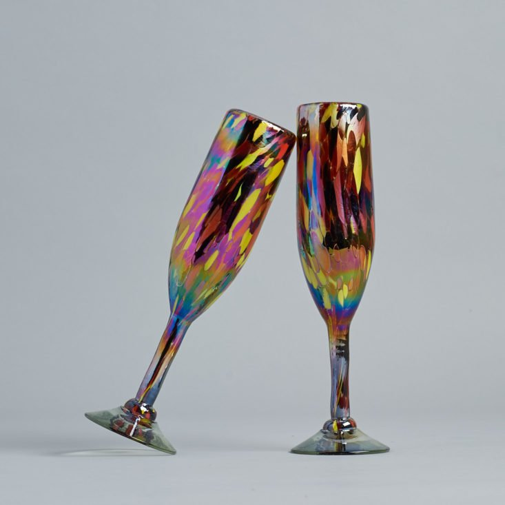 Cheers to these bright unicorn-inspired iridescent champagne flutes!