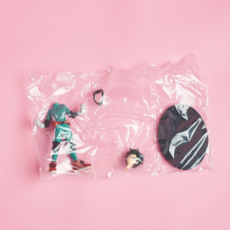 loot anime figurine in pieces