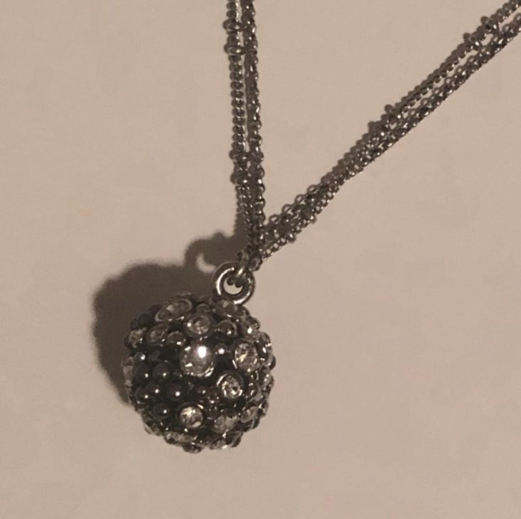 Bezel Box Mini Subscription Review December 2018 - Picture of Necklace (Zoomed In) Top