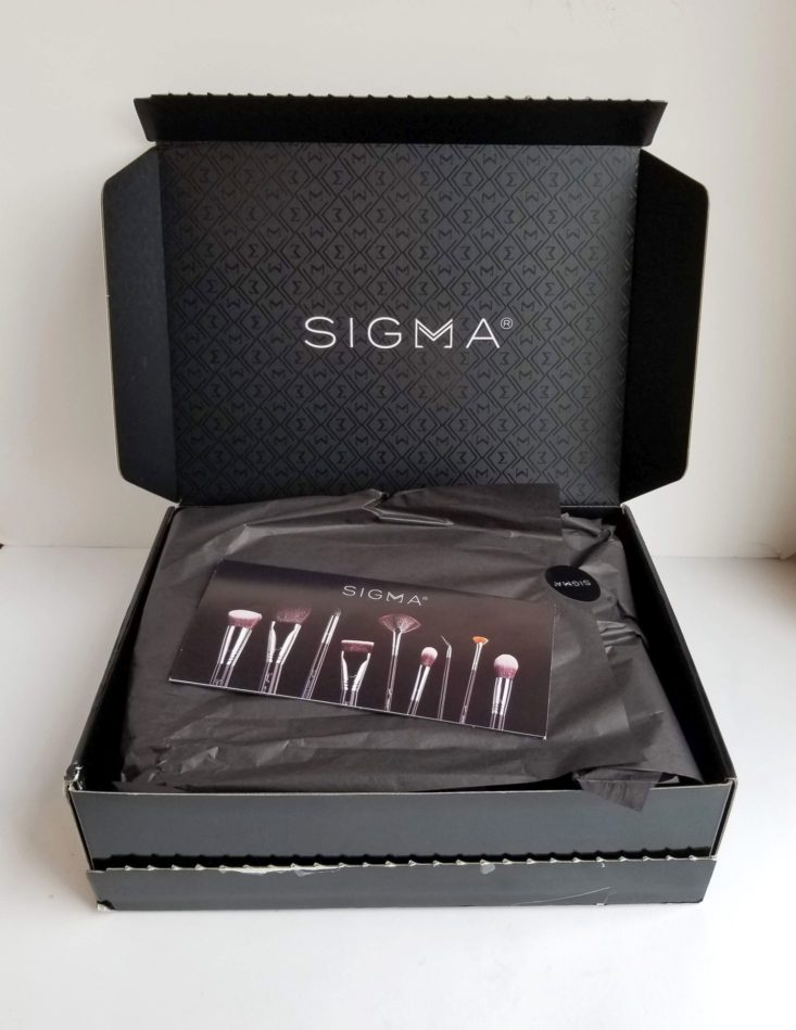 Sigma Beauty Mystery Box December 2018 inside box