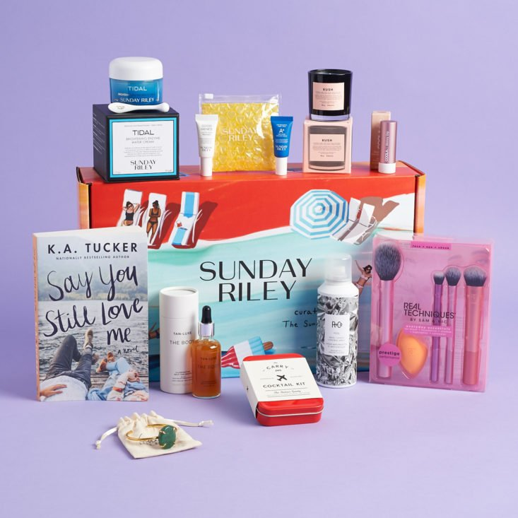All 11 items included in the Sunday Riley Summer Box